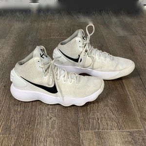Nike Hyperdunk basketball sneakers white